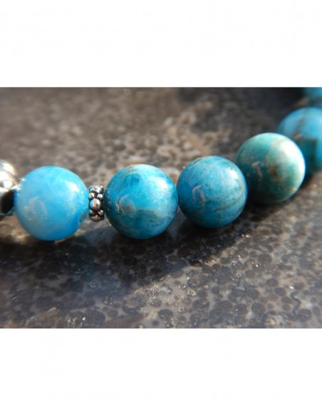 Bracelet en apatite, perles bleues 8 mm, perle mandala et médaille fleur de lotus en métal argenté
