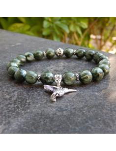 Bracelet en séraphinite, pierres naturelles de 8 mm et sa médaille colibri