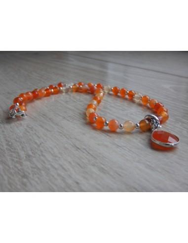 Collier en cornaline facettées perles de 6 mm et sa médaille cornaline