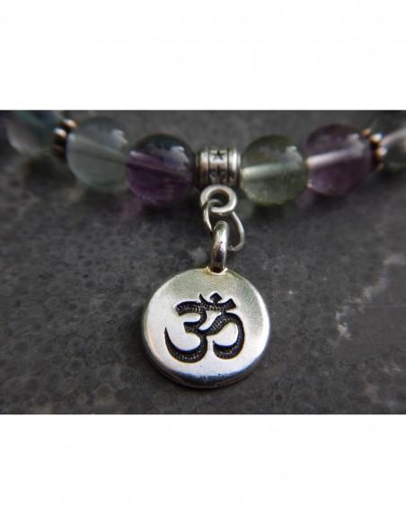 Bracelet en pierres naturelles de fluorite 8 mm, bouddha en perle argentée et médaille Aum en métal argenté
