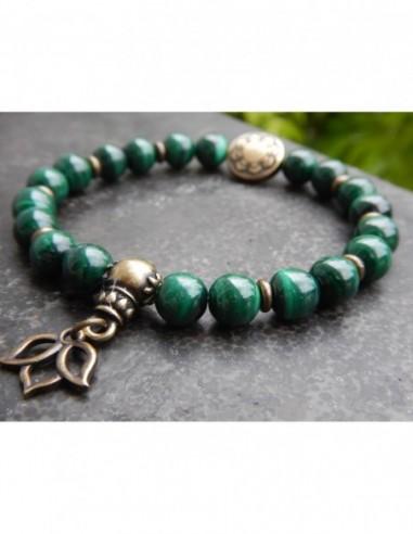 Bracelet malachite, perles 8 mm, perle mandala et médaille lotus en métal bronze