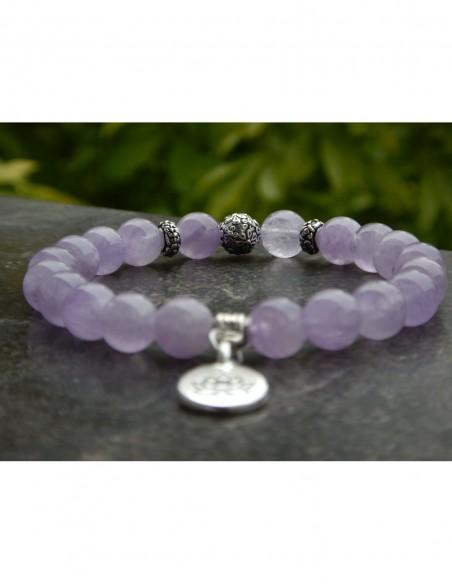Bracelet améthyste lavande, perles 8 mm, médaille fleur de lotus