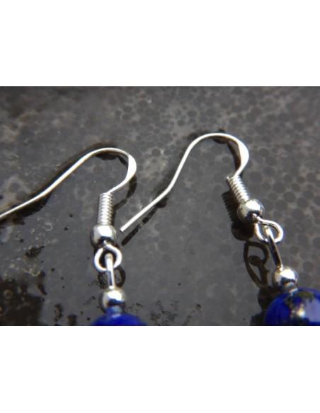 Paire de boucles d'oreilles en pierres naturelles de lapis lazuli et ses médailles fleur de lotus argentées