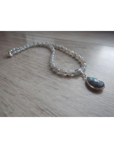 Collier en pierres facettées de labradorite 6 mm et son pendentif labradorite serti argent