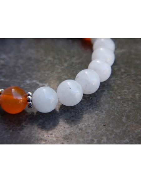 """Bracelet femme spécial """"fécondité et féminité"""" en pierre de lune et cornaline"""